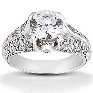 1.85 Ct. diamonds solitaire ring with accents gold